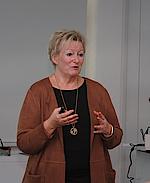 Frau Sylvia Fresmann beschrieb ausführlich die korrekte Prophylaxesitzung.